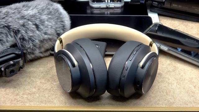 Wireless Bluetooth Headphones Over Ear DOQAUS