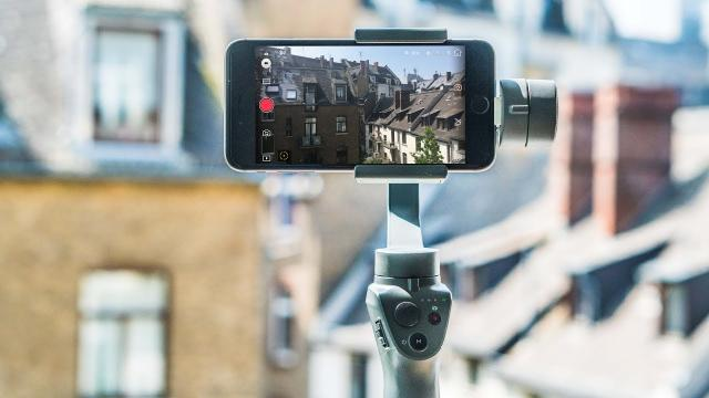Best iPhone Gimbal Smartphone Stabilizer? DJI Osmo Mobile 2 Review